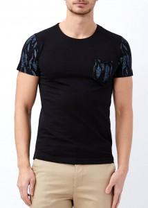 ADZE - Erkek Siyah Cep Baskılı Genişi Yaka Tişört